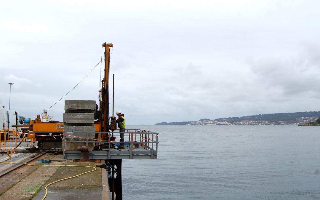 Sondeos en voladizo en el puerto de Marín para el nuevo dragado