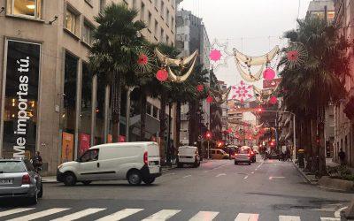 Enmacosa supervisa los trabajos de instalación de las luces de Navidad de Vigo